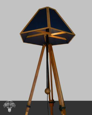 lampada_lampadario_balon_lamps_spot_riciclo_creativo_ecodesign_upcycling_artigianale_torino_genova_roma_milano_italy_proiettore_paralume_blu